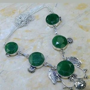 Jewelry - FINAL👏👏..Sterling Silver Raw Emerald Necklace